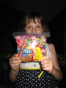 Katy wants to know how much candy you can fit in a sandwich bag. (That's all she's allowed to keep)