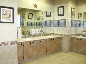 Bucees restroom