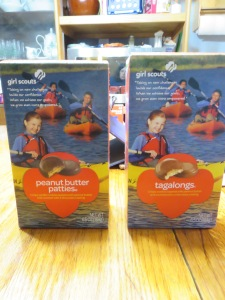 The Tagalong box is slightly smaller.